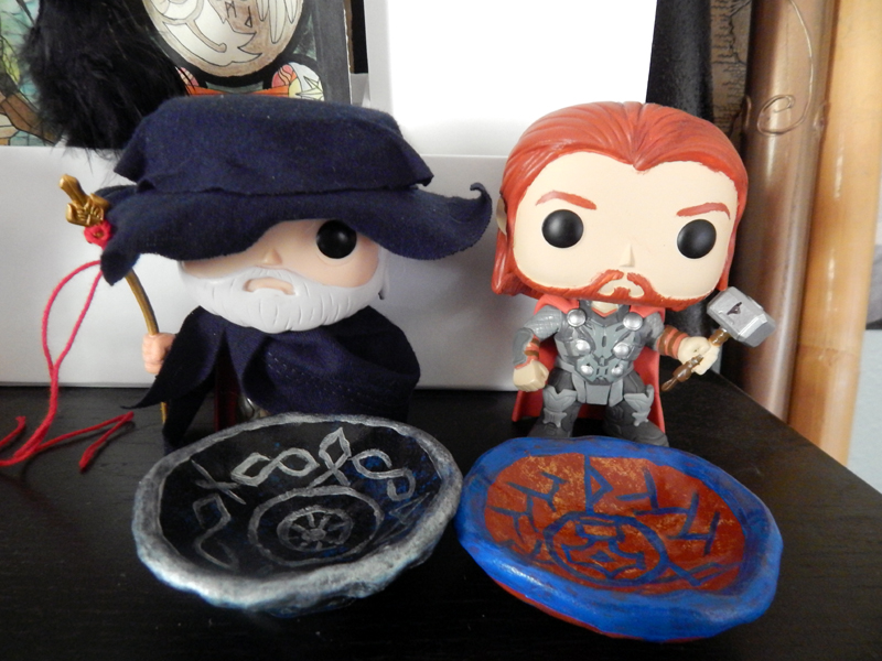 Yes, I repainted Thor's hair. If I ever find a Loki, Imma repaint his hair too!