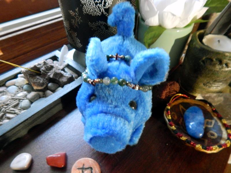 "Little robotic piggu! Frey has affectionately  named him ""Gullinbluesti."" I've had him since elementary school."